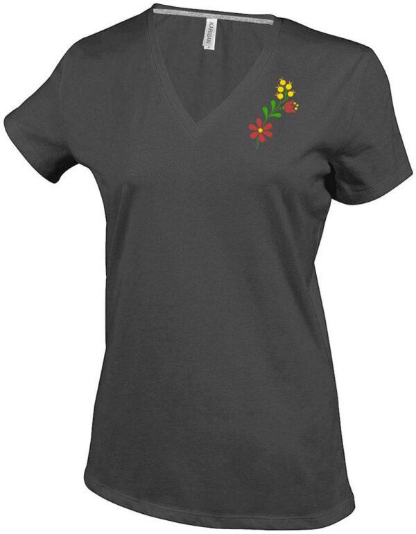 virág egyedi hímzett póló, pulóver, sapka, gépi hímzés