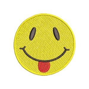 nyelvnyújtós szmájli, smiley tongue, felvasalható hímzett folt, felvarró, patch, foltshop